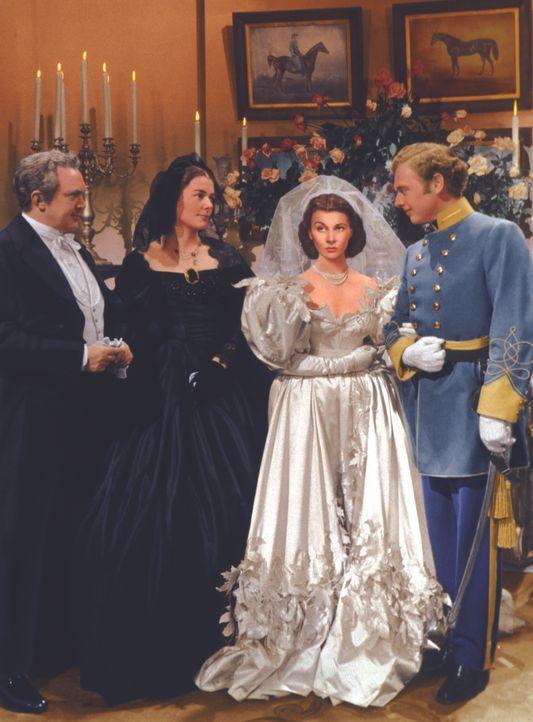 Aus Trotz heiratet Scarlett (Vivien Leigh, 2.v.r.) völlig unüberlegt Melanies Bruder Charles (Rand Brooks, r.). Doch die Ehe währt nicht lange ... - Bildquelle: Metro-Goldwyn-Mayer (MGM)