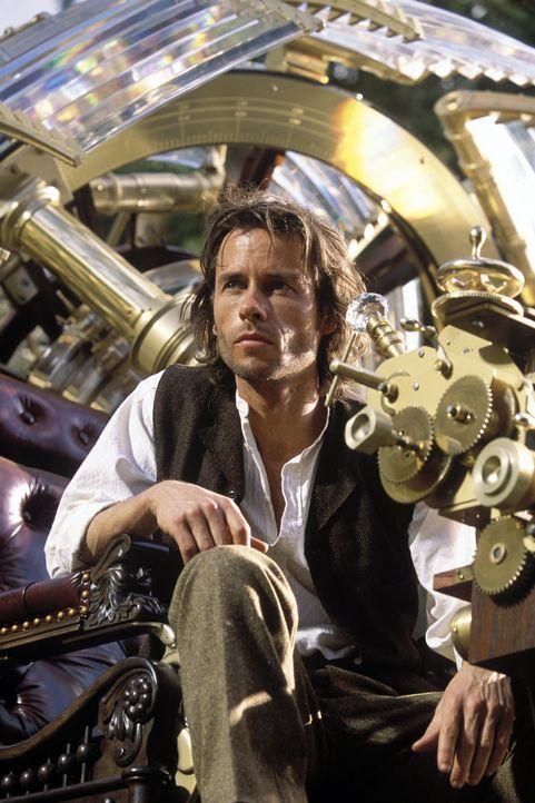Anfang des 20sten Jahrhunderts muss der geniale Erfinder Alexander Hartdegen (Guy Pearce) den Tod seiner Freundin mit ansehen. Um das furchtbare Ere... - Bildquelle: Warner Bros. Pictures