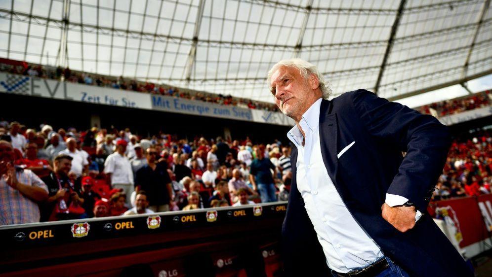Rudi Völler verteidigt den Stil des Bundestrainers - Bildquelle: AFPSIDSASCHA SCHUERMANN