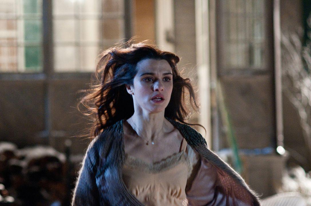 Kaum ist Libby (Rachel Weisz) mit ihrer Familie in ihr neues Haus umgezogen, ereignen sich schreckliche Dinge in ihrem Leben ... - Bildquelle: 2011 Universal Studios