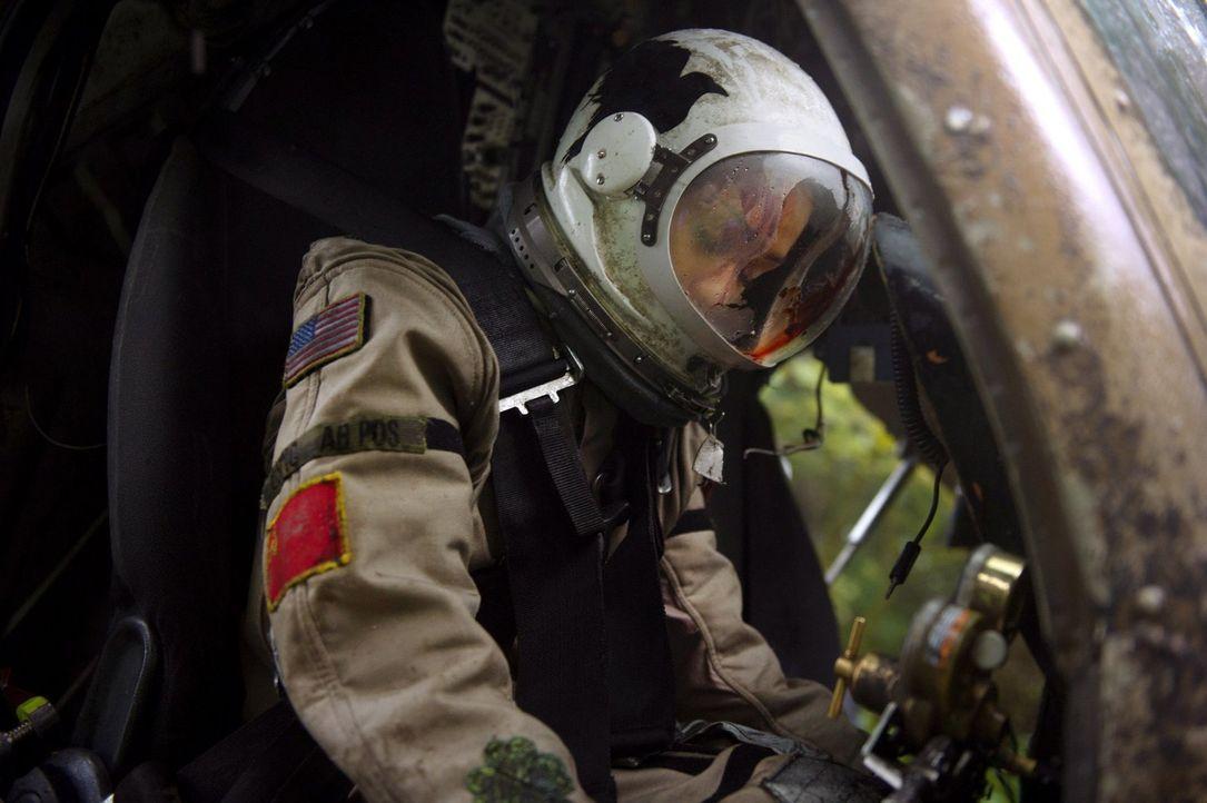 Während Raven (Lindsey Morgan) auf der Erde landet, kämpfen die Menschen auf dem Raumschiff bereits ums Überleben ... - Bildquelle: Warner Brothers