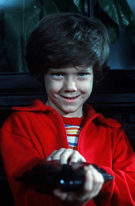 Der kleine Charly (Cary Guffey) heißt eigentlich H-7-25, denn er kommt von einem anderen Planeten ... - Bildquelle: Leone Film