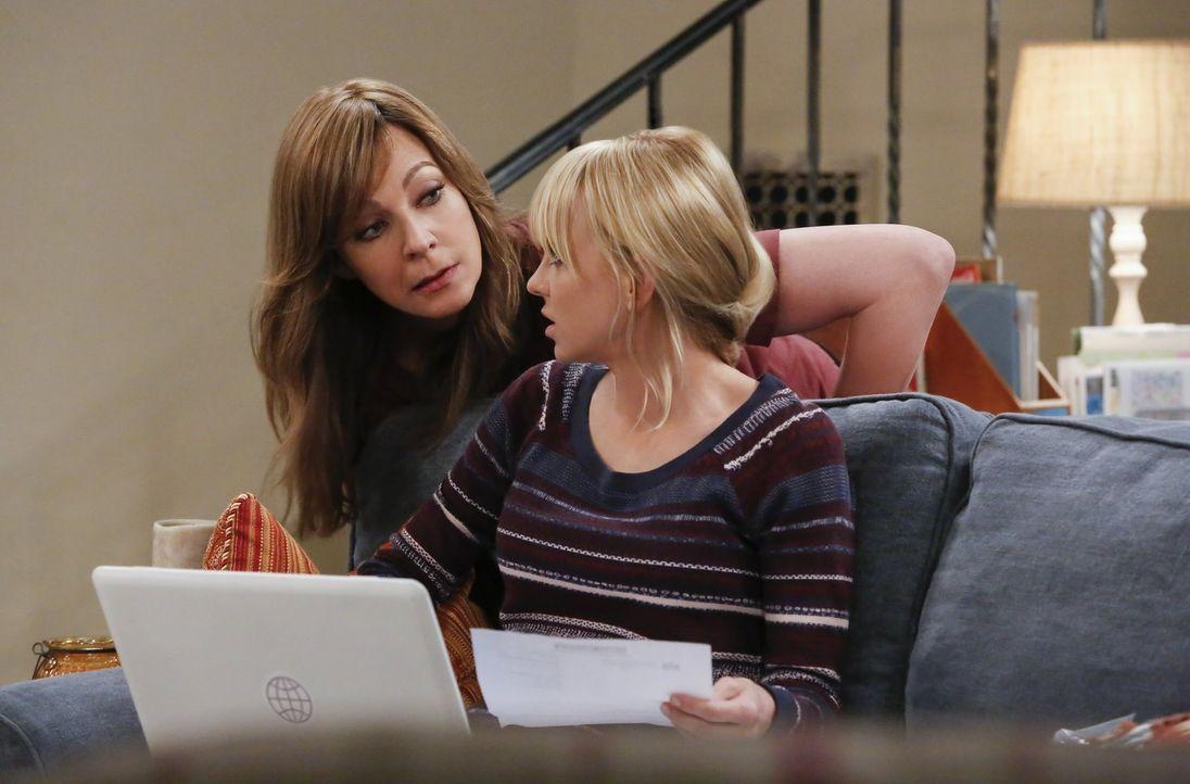 Als Bonnie (Allison Janney, l.) Probleme mit der Steuerbehörde bekommt, probiert Christy (Anna Faris, r.) ihr sofort zu helfen. Doch das gestaltet s... - Bildquelle: 2016 Warner Bros. Entertainment, Inc.