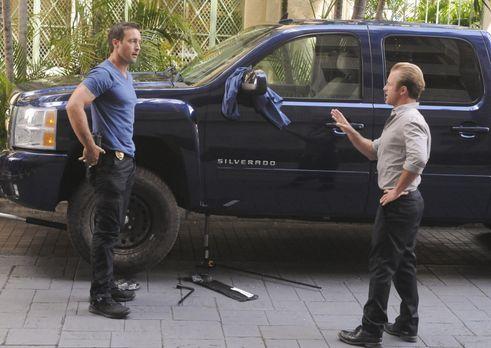 Hawaii Five-0 - Ermitteln in einem neuen Fall: Steve (Alex O'Loughlin, l.) un...