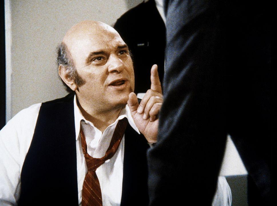 Mario (Luke Andreas, l.) behauptet, nur ein harmloser Geschäftsmann zu sein. Aber Lee (Bruce Boxleitner), der ihn verhört, weiß es besser ...