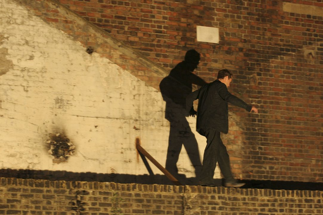 Der Architekt Will (Jude Law) zieht in ein neues Büro am Londoner King's Cross. Als wiederholt eingebrochen wird, legt er sich nachts auf Lauer und... - Bildquelle: Miramax Films.  All Rights Reserved.