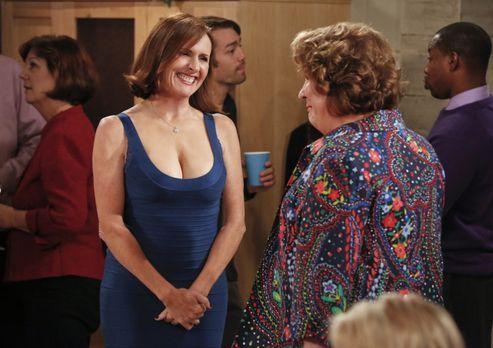 The Millers - In Carols ehemaliger Schule wird Pam (Molly Shannon, l.), eine...