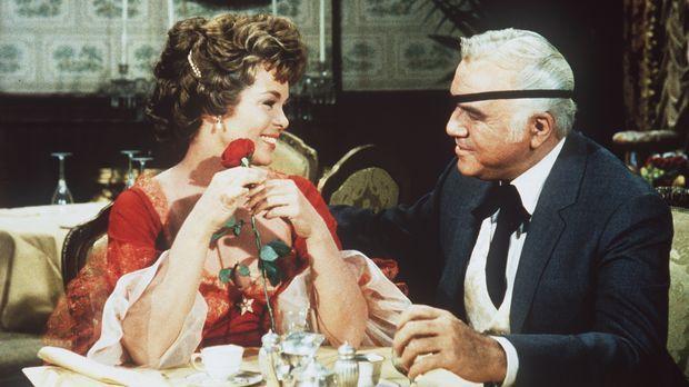 Ben (Lorne Greene, r.) ist gerne bereit, Claire (Nancy Gates, l.) und ihren B...