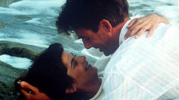 Zuerst Ärger und dann Liebe: Robin (Kirstie Alley, l.) und ihr Kollege Freddy...