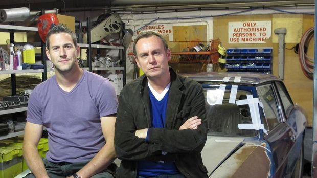 Die Autoliebhaber Philip Glenister (r.) und Ant Anstead (l.) machen ihr Hobby...