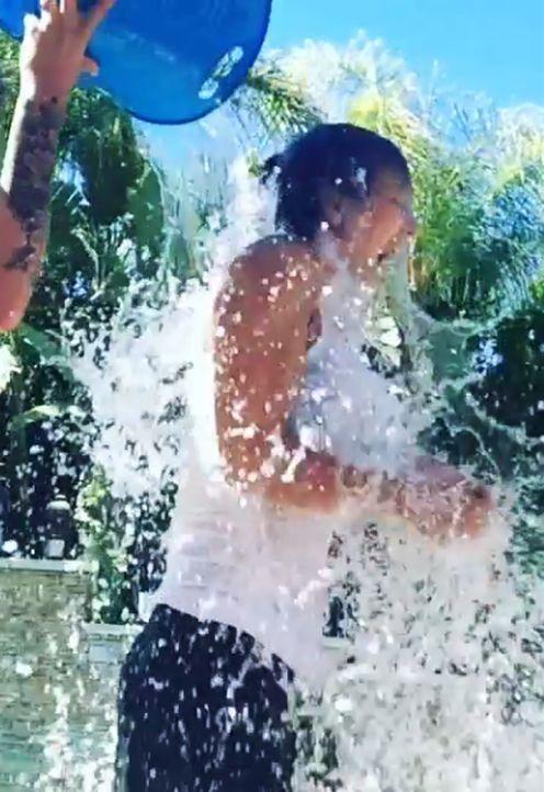 Kaley-Cuoco-Ice-Bucket-Challenge-nachher-Instagram-normancook - Bildquelle: Instagram/normancook