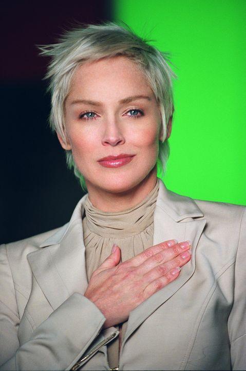 Für die Konzernvorsitzende Laurel Hedare (Sharon Stone) steht der berufliche Erfolg an oberster Stelle. Sie geht dafür sogar über Leichen ... - Bildquelle: Warner Bros. Television