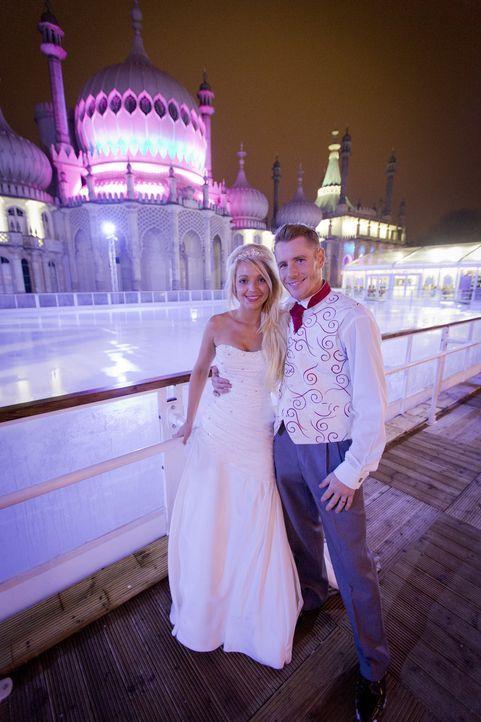Für dieses Paar wird ein Traum war: Eine Trauung zu Weihnachten ... - Bildquelle: Renegade Pictures Ltd