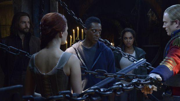 Ichabod (Tom Mison, l.), Katrina (Katia Winter, 2.v.l.) und Jenny (Lyndie Gre...