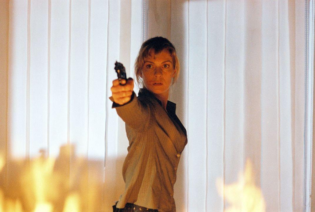 Susanna Beckert (Lisa Martinek) will den Feuerteufel stoppen. - Bildquelle: Wolfgang Wehner Sat.1