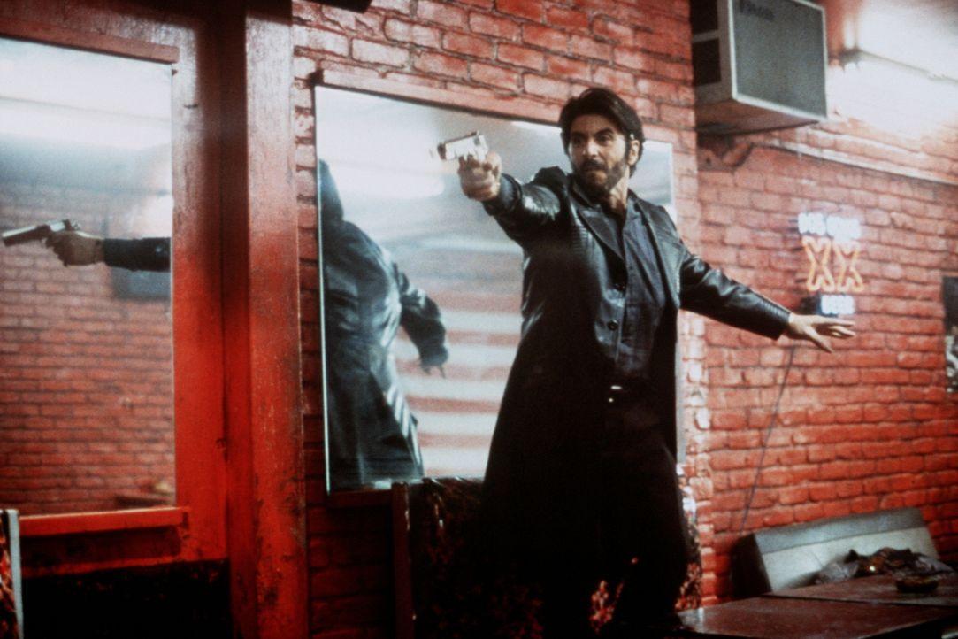 Schon kurz nach seiner Entlassung aus dem Gefängnis wird Carlito (Al Pacino) von seiner gewalttätigen Vergangenheit wieder eingeholt ... - Bildquelle: Universal Pictures