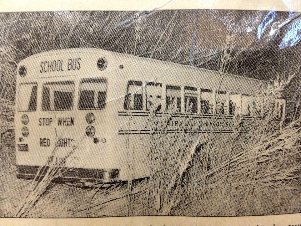 Don Wildman erfährt heute, wie ein Schulbus in einen der größten Kidnapping-Fälle der amerikanischen Geschichte verwickelt wurde und lüftet das Gehe... - Bildquelle: Optomen Productions, Inc. for The Travel Channel