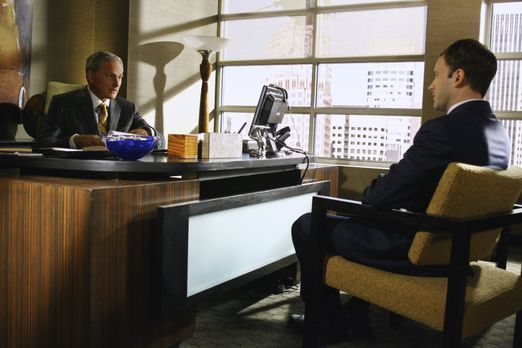 Eli Stone - Seine neueste Vision lässt Eli (Jonny Lee Miller, r.) einen ungew...