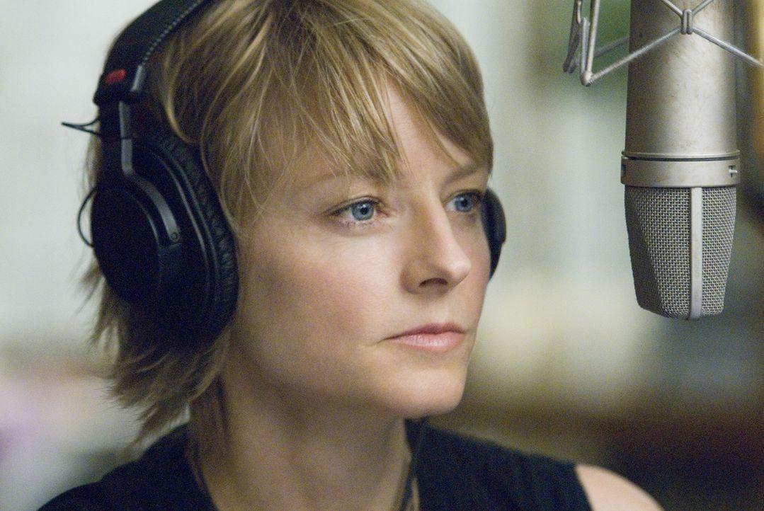 Die beliebte New Yorker Radiomoderatorin Erica Bain (Jodie Foster) musste mit ansehen, wie ihr Verlobter bei einem kaltblütigen Überfall ums Leben... - Bildquelle: Warner Bros.