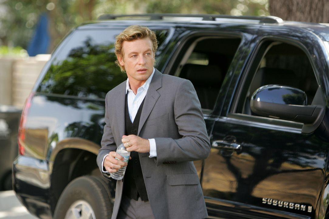 Intuitiv versucht Patrick Jane (Simon Baker) einen neuen Fall zu lösen ... - Bildquelle: Warner Bros. Television