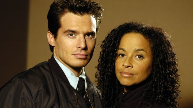 Richard Donovan (Antonio Sabato jr., l.) und Madison Kelsey (Rae Dawn Chong,...