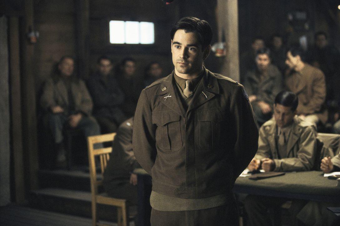 Obwohl selbst Gefangener in einem Nazilager, muss Lt. Hart (Colin Farrell), vor dem Krieg Jurastudent, einen mordverdächtigen schwarzen Kameraden ve... - Bildquelle: Metro-Goldwyn-Mayer Studios Inc. All Rights Reserved.