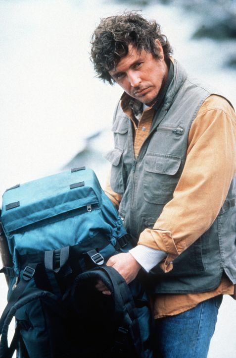 Eines Tages muss Bergführer Jonathan Knox (Tom Berenger) in den unwegsamen Höhen der Rocky Mountains einen gefährlichen Killer einfangen, der sich e... - Bildquelle: Buena Vista Pictures