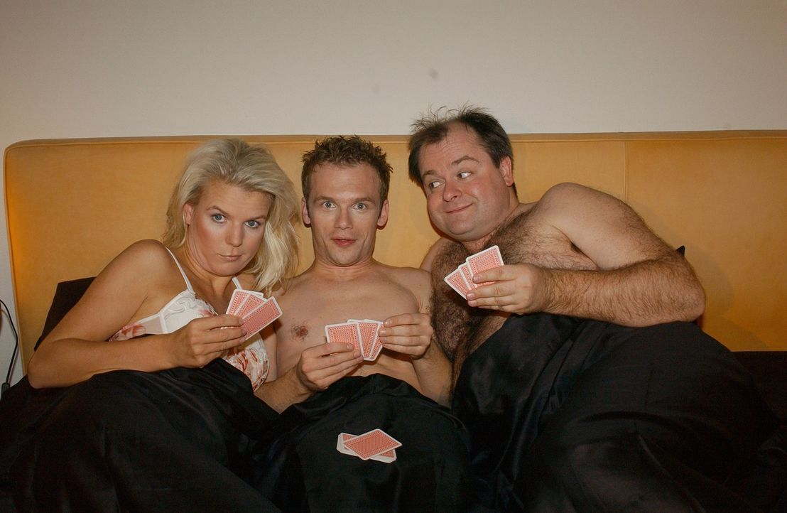 """Die Dreisten Drei, v.l.n.r.: Mirja Boes, Ralf Schmitz, Markus Majowski, bei einem """"Dreier"""" der besonderen Art ... - Bildquelle: Sat.1"""