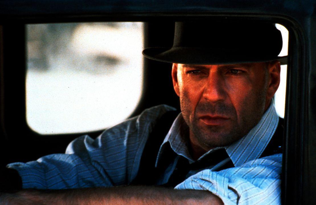 Als der wortkarge Einzelgänger John Smith (Bruce Willis) durch das kleine Städtchen Jericho in Texas kommt, gerät er mitten in einen Bandenkrieg sic... - Bildquelle: New Line Cinema