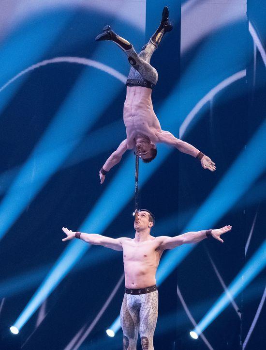 """""""Vorhang auf für das Duo Vladimir!"""" - Bildquelle: Stefan Hobmaier SAT.1"""