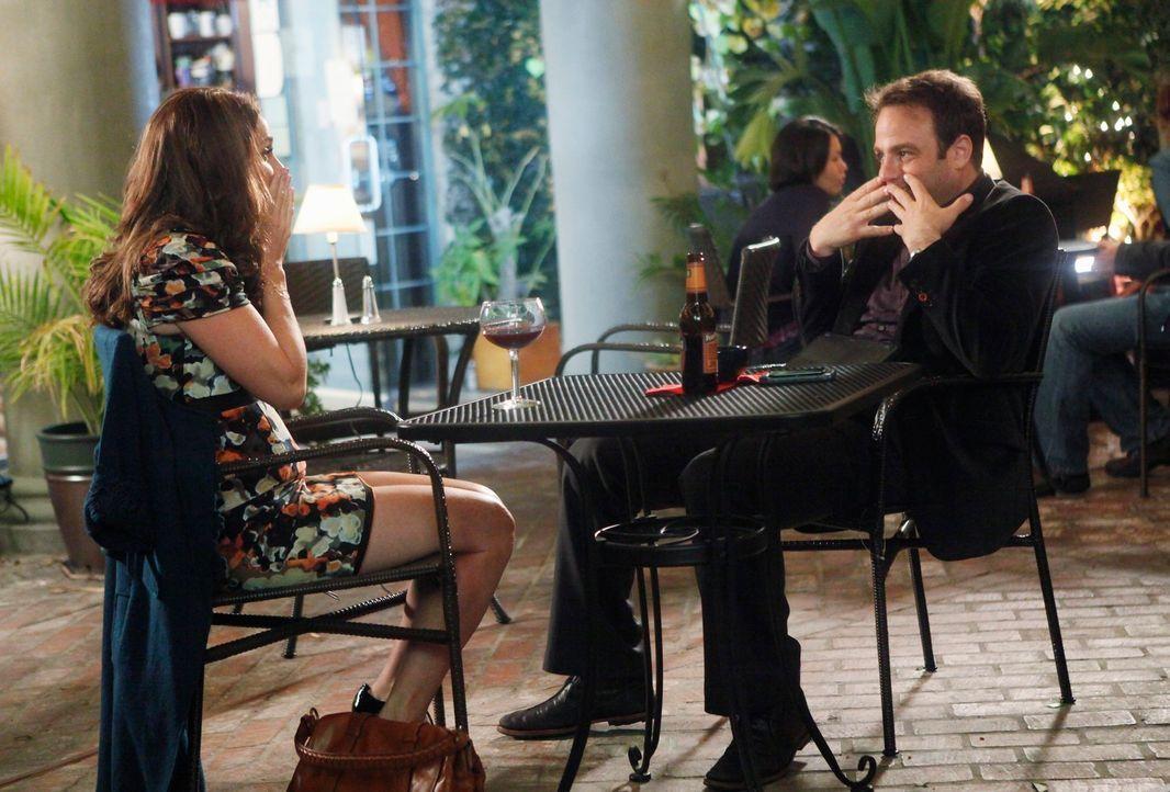 Haben beide Probleme mit ihrem Partner: Violet (Amy Brenneman, l.) und Cooper (Paul Adelstein, r.) ... - Bildquelle: ABC Studios