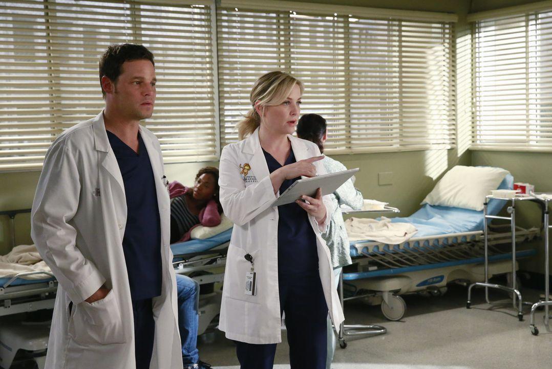 Während Derek weiter verschwunden bleibt, müssen Alex (Justin Chambers, l.) und Arizona (Jessica Capshaw, r.) mit den Konsequenzen eines Flugzeugabs... - Bildquelle: ABC Studios