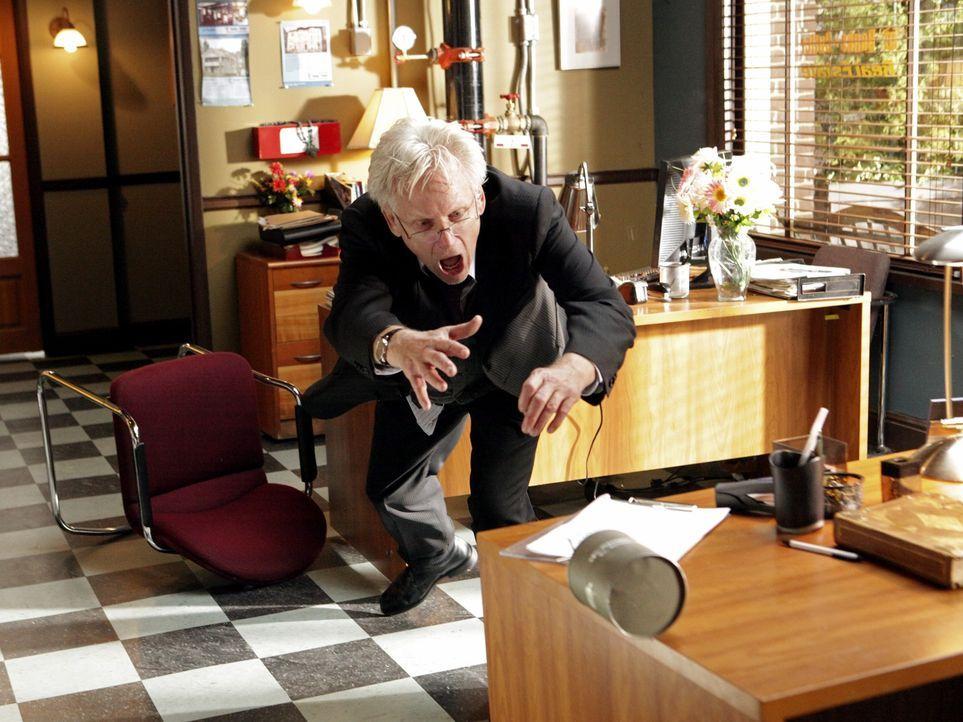 Kann Josh Bedford (Bruce Davison) eine Explosion verhindern? - Bildquelle: ABC Studios