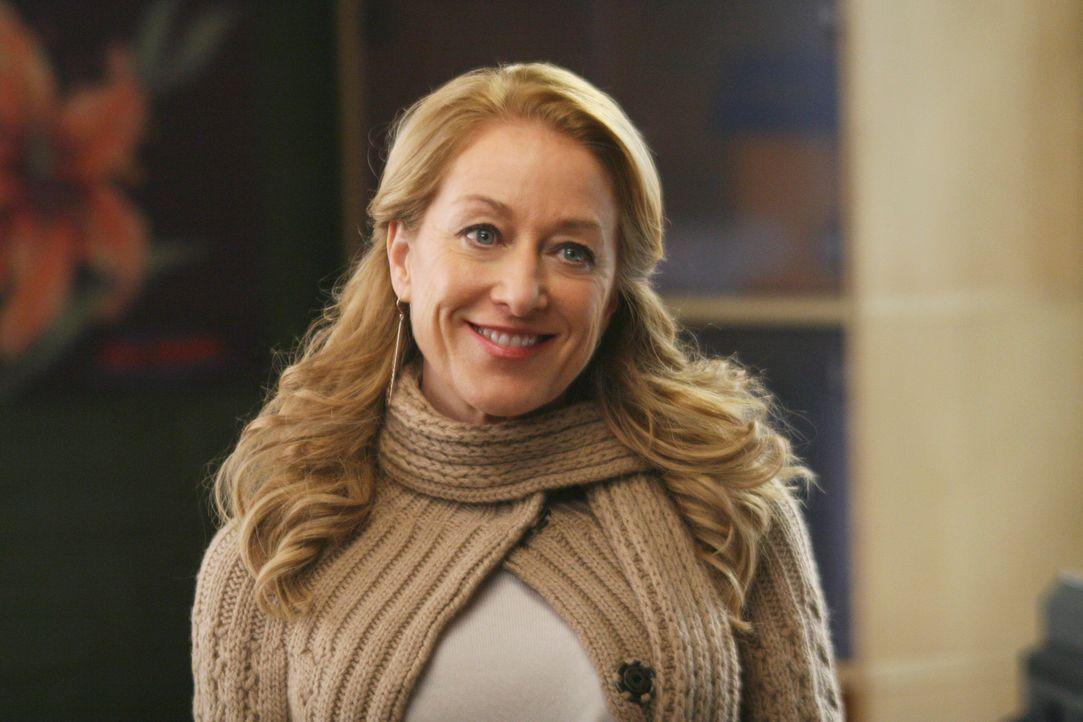 Hollys (Patricia Wettig) und Noras Bürogemeinschaft erweist sich als überraschend friedlich, doch Nora ist entsetzt, als Holly sich im Gegensatz z... - Bildquelle: Disney - ABC International Television