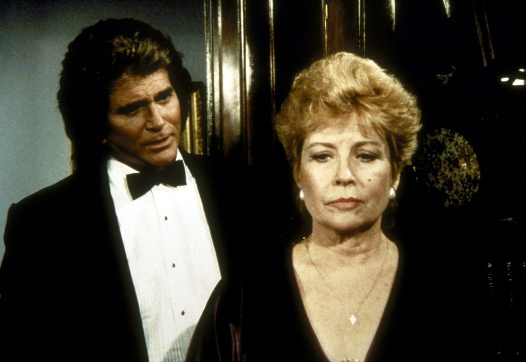 Phoebe Hall (Gloria De Haven, r.), der gefeierte Star, würde sich gern mit ihrer Tochter Gail versöhnen. Jonathan (Michael Landon, l.) will ihr dabe... - Bildquelle: Worldvision Enterprises, Inc.