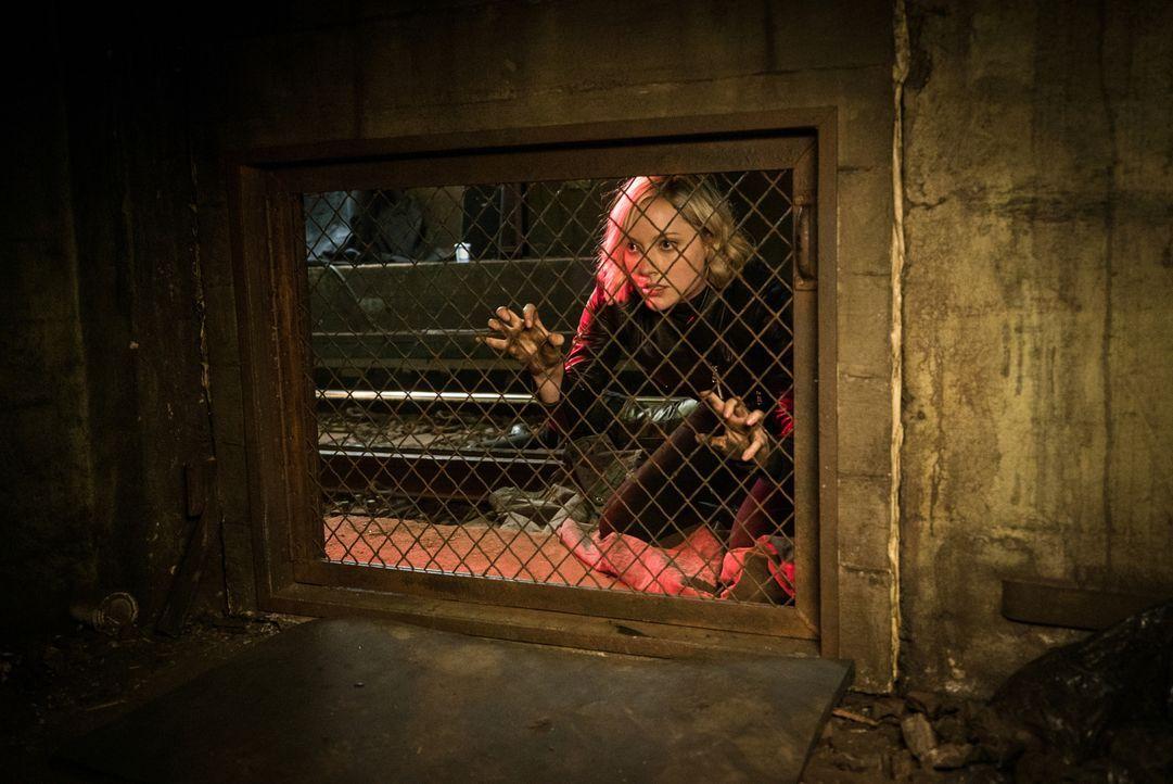 Möchte Senator Morra tot sehen: Piper Baird (Georgina Haig) ... - Bildquelle: Michael Parmelee 2015 CBS Broadcasting, Inc. All Rights Reserved