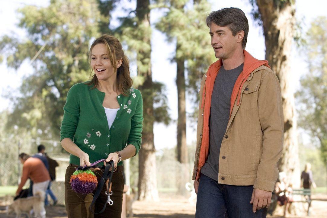 Sarah (Diane Lane, l.) und Bob (Dermot Mulroney, r.) haben so viele Gemeinsamkeiten, dass es fast schon unheimlich ist. Verstehen sie sich vielleich... - Bildquelle: Warner Brothers