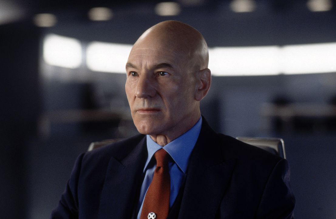 Er glaubt daran, dass die Mutanten lernen können, ihre Kräfte für das Gute einzusetzen: Professor X (Patrick Stewart) - Bildquelle: 2000 Twentieth Century Fox Film Corporation. All rights reserved.