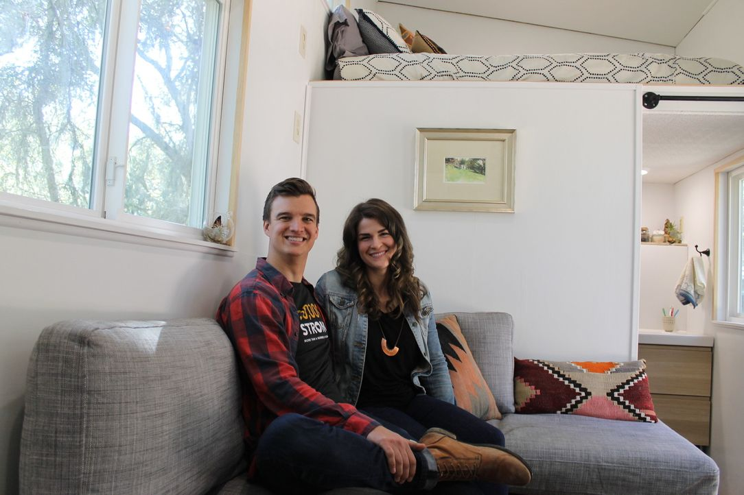 Sind Sam (l.) und Ellee (r.) mit ihrem selbst designten Eigenheim schlussendlich zufrieden? - Bildquelle: 2016, HGTV/Scripps Networks, LLC. All Rights Reserved.