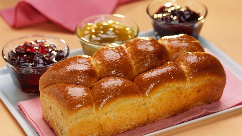 Brioche mit süßer Marmelade  - Bildquelle: Photocuisine
