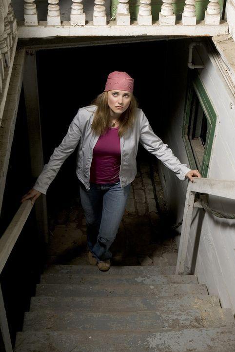 Die Insektenforscherin Maddy Rierdon (Lucy Lawless) zieht mit ihrer Familie in eine Kleinstadt, um dort als College-Professorin ein ruhiges Leben zu... - Bildquelle: 2005 Sony Pictures Television Inc. All Rights Reserved.