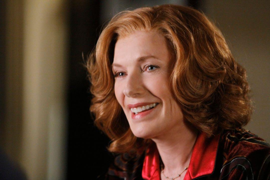 Martha Rodgers (Susan Sullivan) hat immer einen guten Rat für ihren Sohn parat ... - Bildquelle: ABC Studios