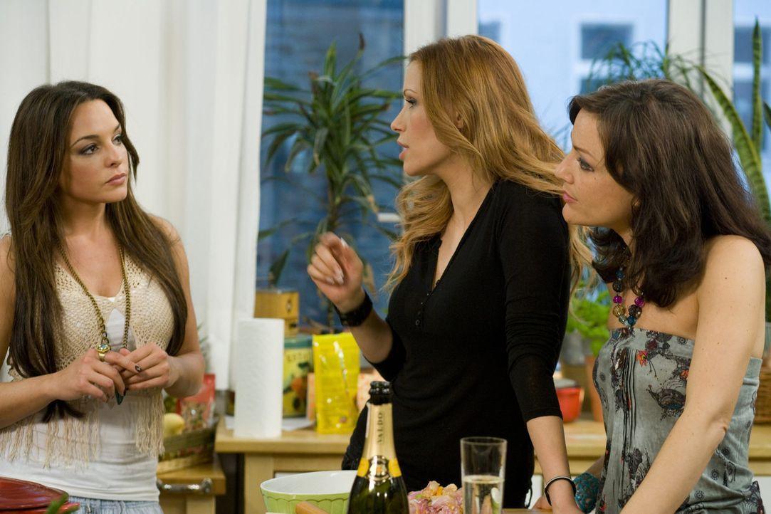 Ein ganz besonderer Mädlsabend: Miriam Pielhau (r.), Estefania Küster (l.) und Yasmina Filali (M.) ... - Bildquelle: sixx