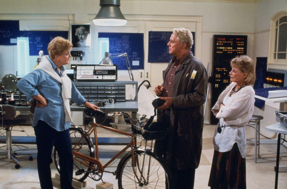 Ist der Erfinder Daniel O'Brien (Van Johnson, M.) ein Mörder? Alle Indizien sprechen gegen ihn. Jetzt ist es an Jessica Fletcher (Angela Lansbury, l... - Bildquelle: Universal Pictures