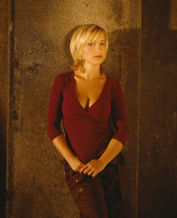 (4. Staffel) - Obwohl Chloe (Allison Mack) durch Zufall hinter Clarks Geheimnis kommt, behält sie es für sich und versucht, es Clark zu erleichtern,... - Bildquelle: Warner Bros.