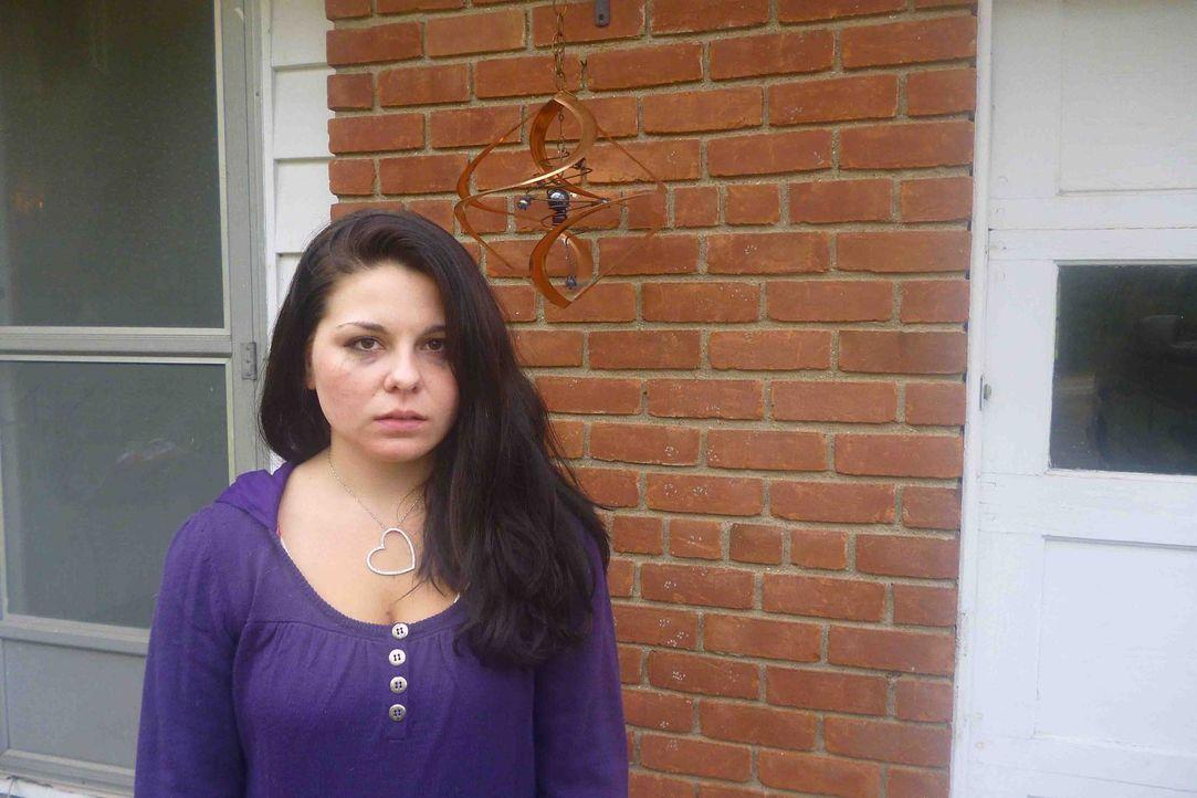 Marie DePalma (Bild) ist eine schüchterne Mittelstufen Schülerin als sie den älteren Schüler Luis kennenlernt. Anfänglich fühlt sie sich geschmeiche... - Bildquelle: Kate Findlay-Shirras Atlas Media, 2011