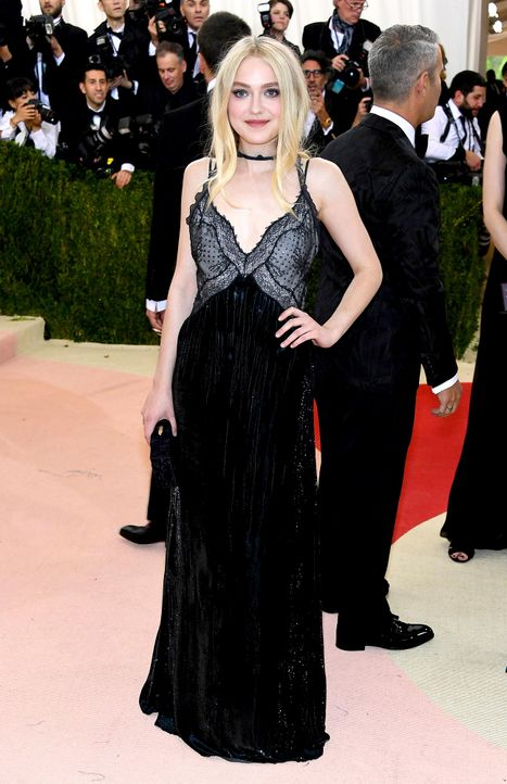 MET-Gala-Dakota-Fanning-13-getty-AFP - Bildquelle: Larry Busacca/Getty Images/AFP