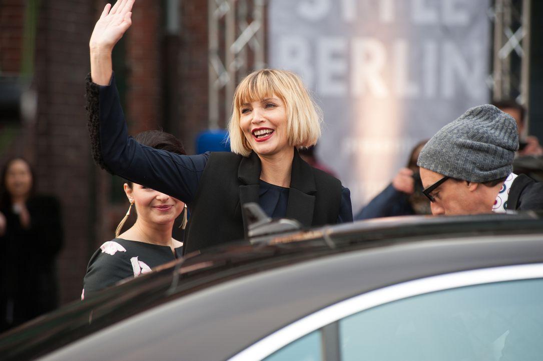 Nachdem Mandy sich im Atelier der Modeschöpferin Agnes van Beuyten (Nadja Auermann) jahrelang ausbeuten ließ, um ihrem Traum ein Stück näher zu komm... - Bildquelle: Britta Krehl SAT.1