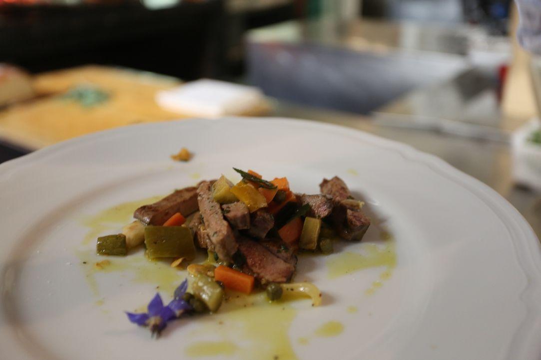 Vom Besitzer des Restaurants Cibrèo, Fabio Picchi, lernt Giada einiges über die toskanische Küche, denn Fabio weiß, wie er seine Gäste mit gutem Ess... - Bildquelle: 2016,Television Food Network, G.P. All Rights Reserved