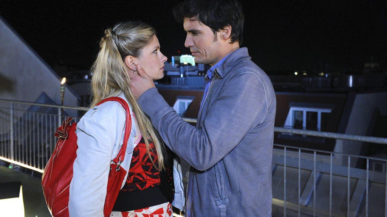 Anna-und-die-Liebe-Folge-325-03-Sat1-Claudius-Pflug - Bildquelle: SAT.1/Claudius Pflug